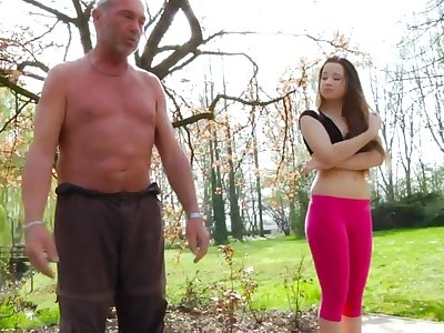 Young chick Alesia gets intimate with one old pauper in the parkland