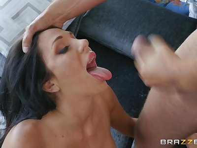 Latina with big tits Jaclyn Taylor swallows cum after a fuck