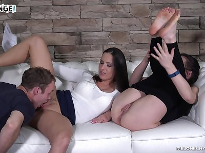 Perfect nonstop pussy licking workout with a voracious nympho Mea Melone